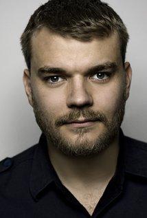Pilou Asbæk