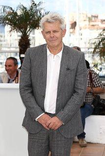 Alex van Warmerdam. Director of Schneider vs. Bax