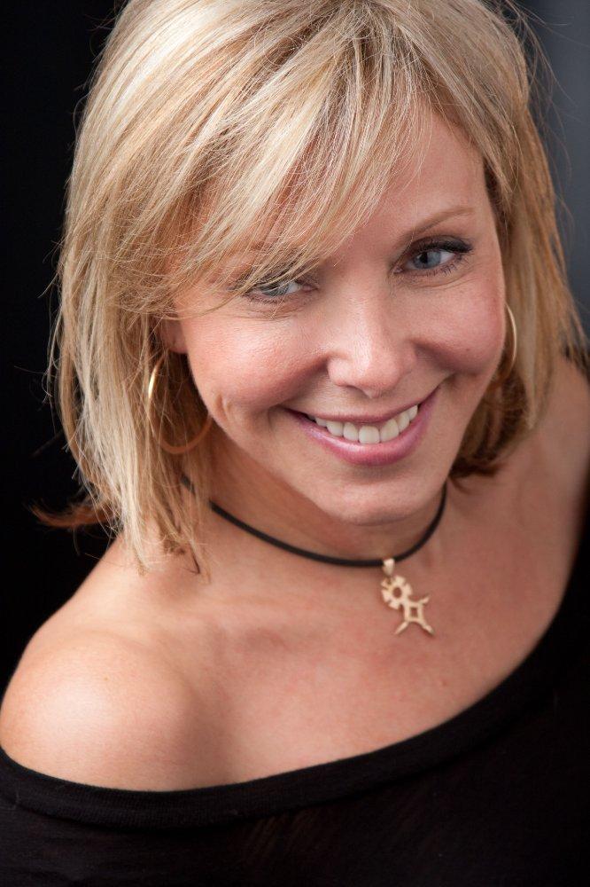Ava Lazar