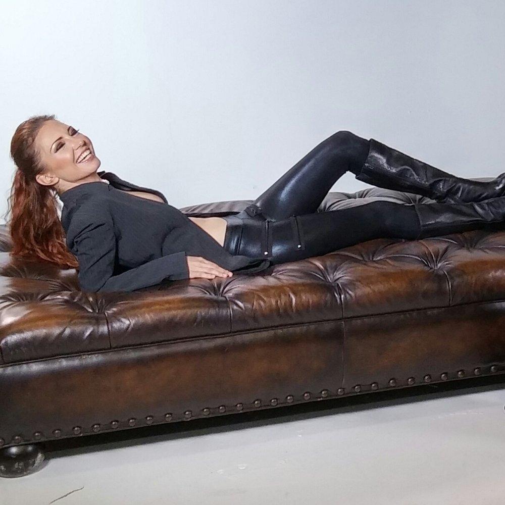 Amanda Cryer