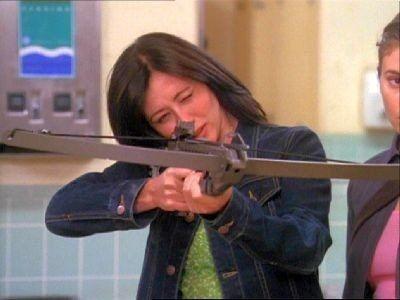 Charmed - Season 1 Episode 21: Love Hurts
