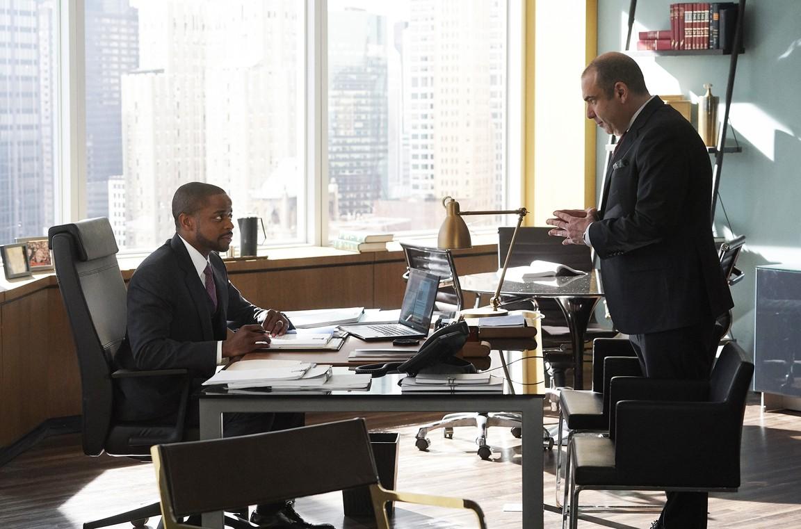 Suits - Season 8 Episode 11: Rocky 8
