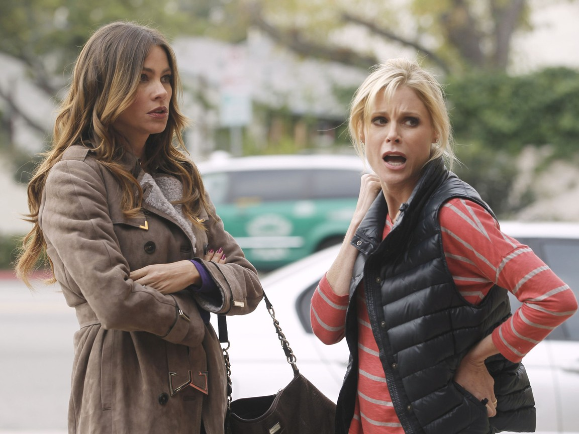 Modern Family - Season 3 Episode 16: Virgin Territory