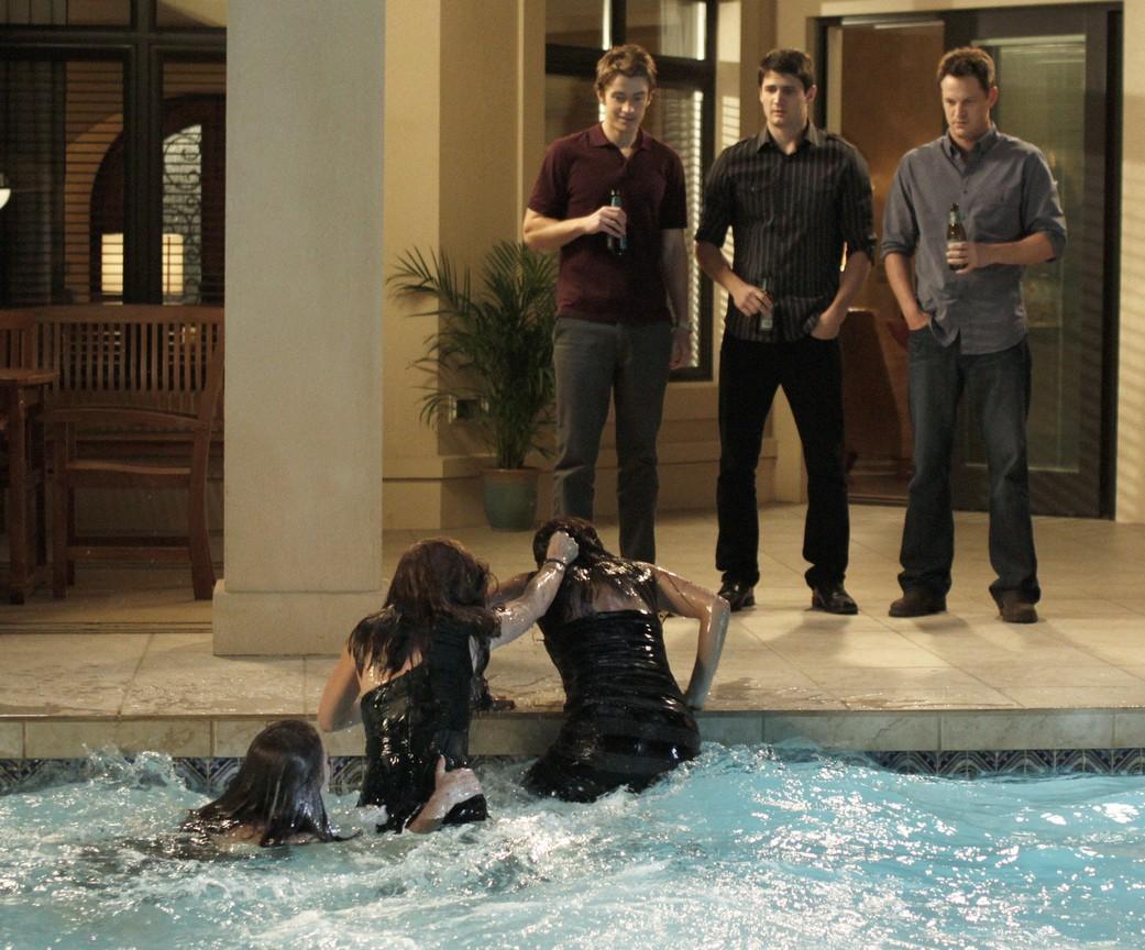 One Tree Hill - Season 7 Episode 14: Family Affair