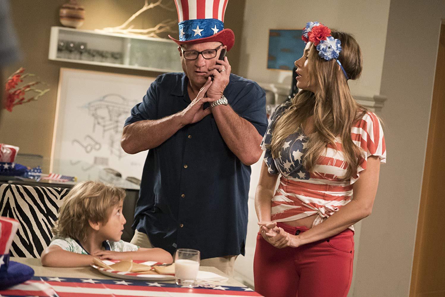 Modern Family - Season 10