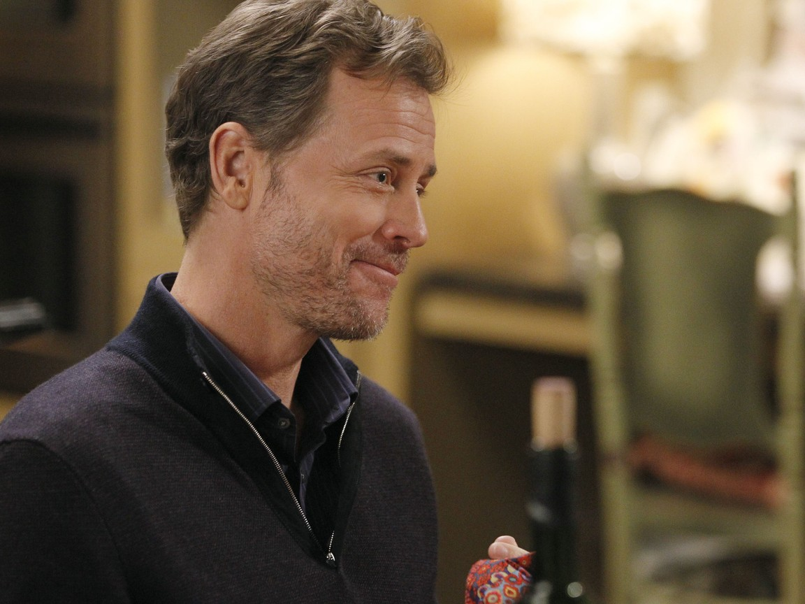 Modern Family - Season 3 Episode 14: Me? Jealous?