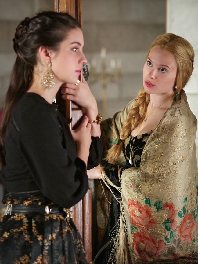 Reign - Season 3 Episode 10: Bruises That Lie