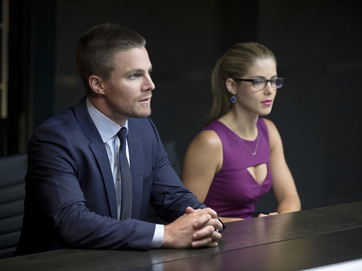 Arrow - Season 3 Episode 01: The Calm