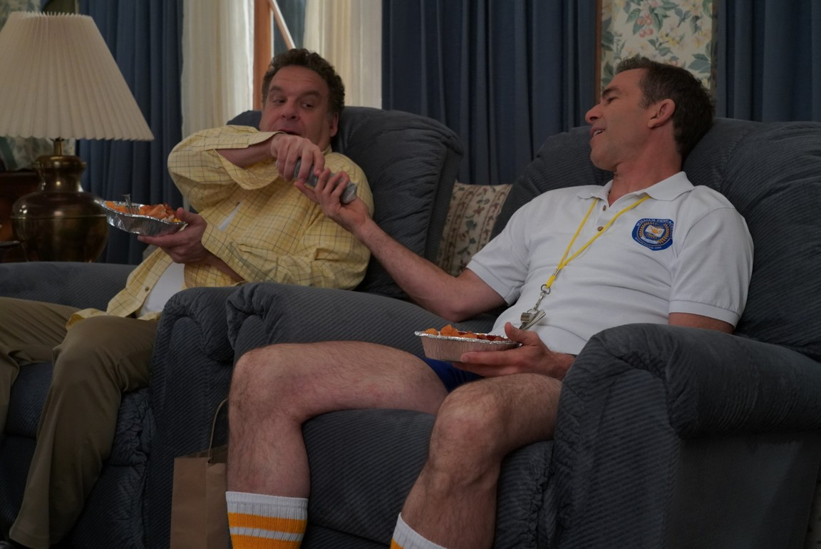 The Goldbergs - Season 6 Episode 08: The Living Room: A 100 Percent True Story
