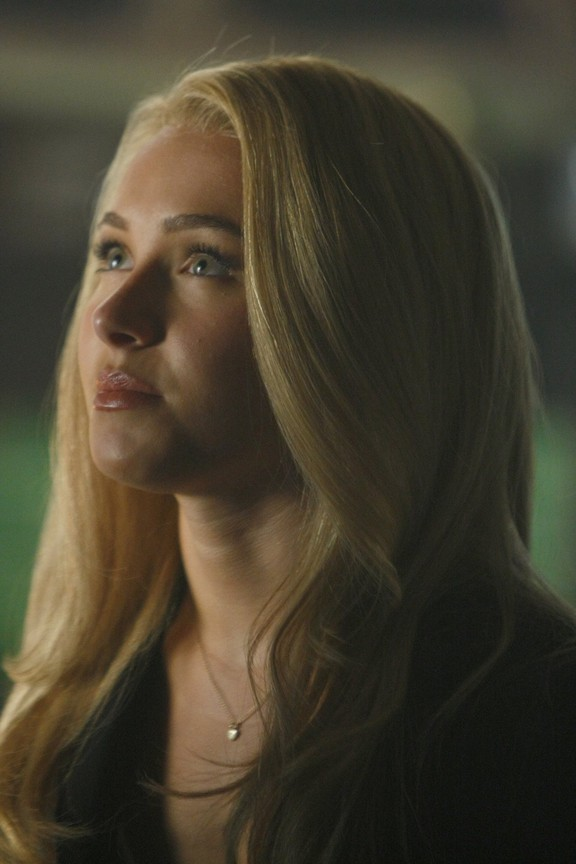 Heroes - Season 3 Episode 14: A Clear and Present Danger
