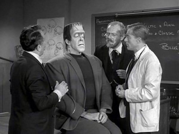The Munsters - Season 2 Episode 25: Prehistoric Munster