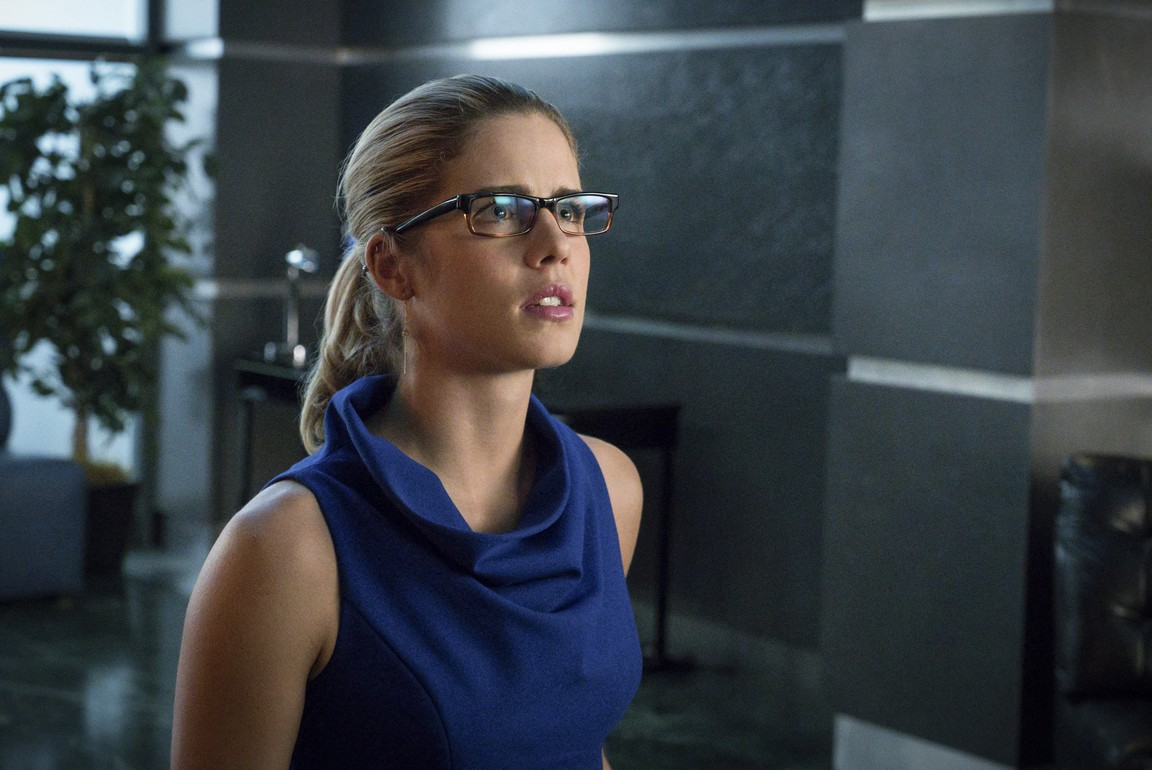 Arrow - Season 4 Episode 12: Unchained