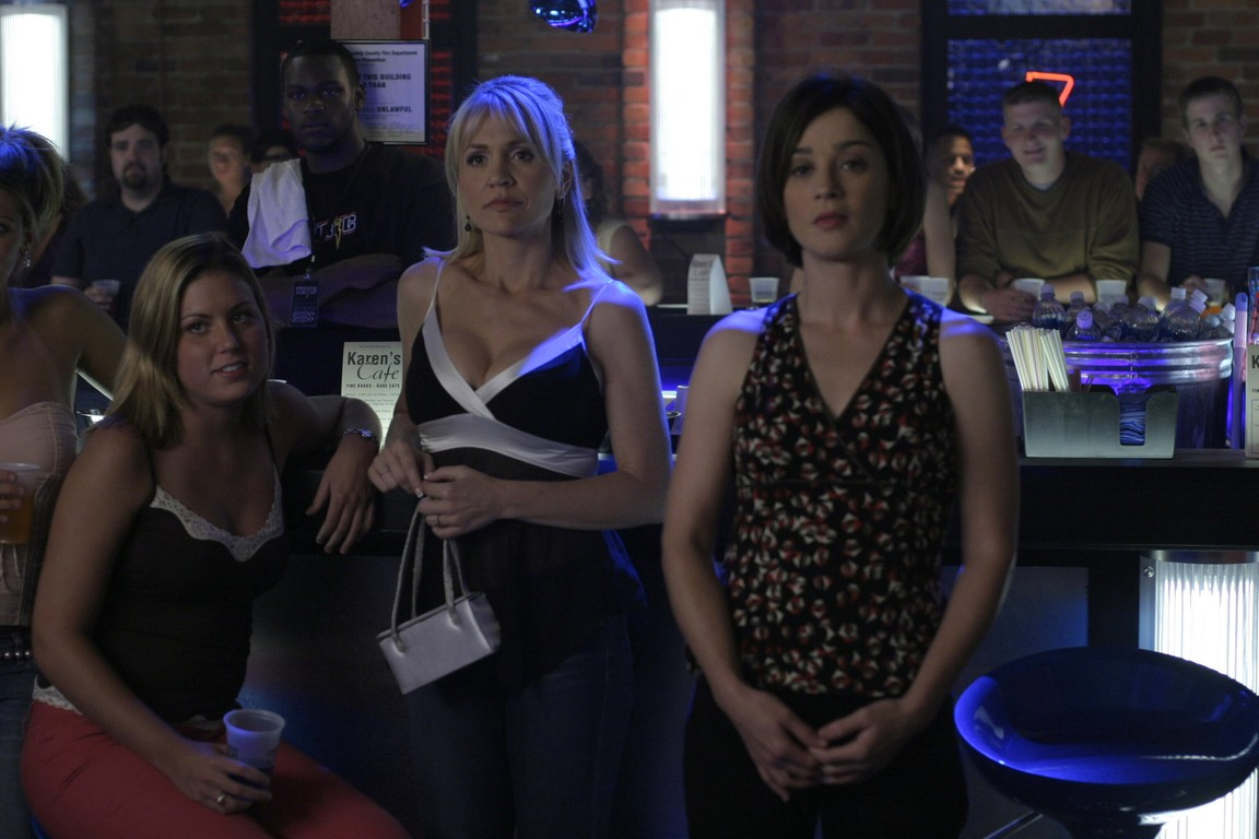One Tree Hill - Season 2 Episode 07: Let the Reigns Go Loose