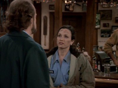 Cheers - Season 11 Episode 17: The Bar Manager, the Shrink, His Wife and Her Lover (2)