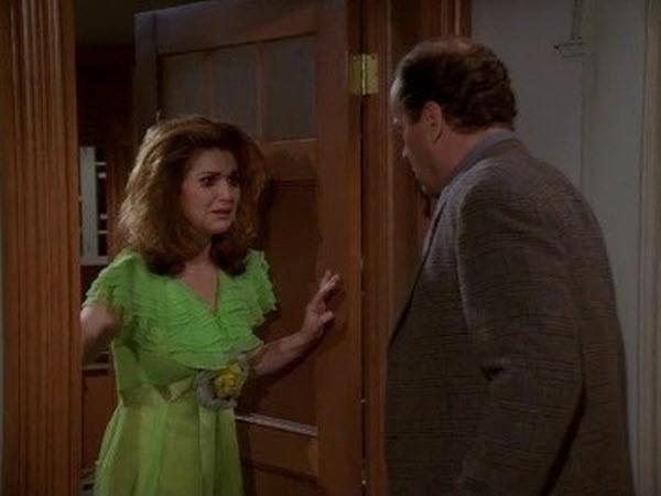 Frasier - Season 3 Episode 22: Frasier Loves Roz