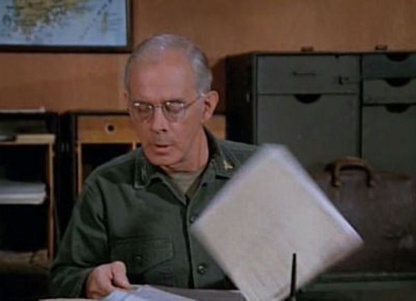M*A*S*H - Season 4 Episode 03: Change of Command