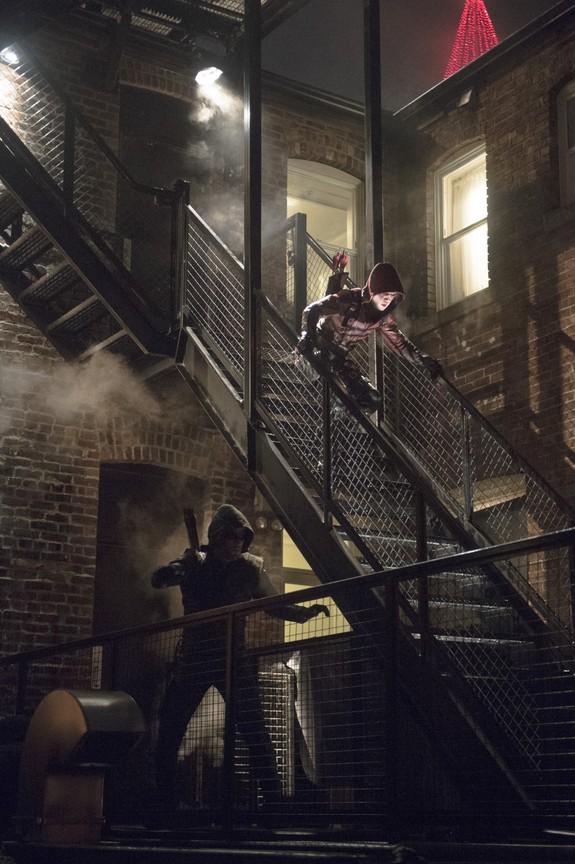 Arrow - Season 3 Episode 13: Canaries