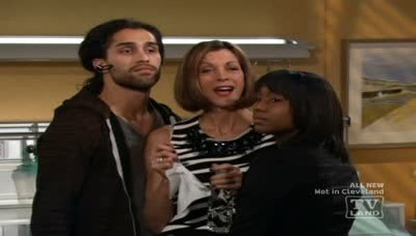 Hot in Cleveland - Season 2 Episode 06: I Love Lucci Part Two