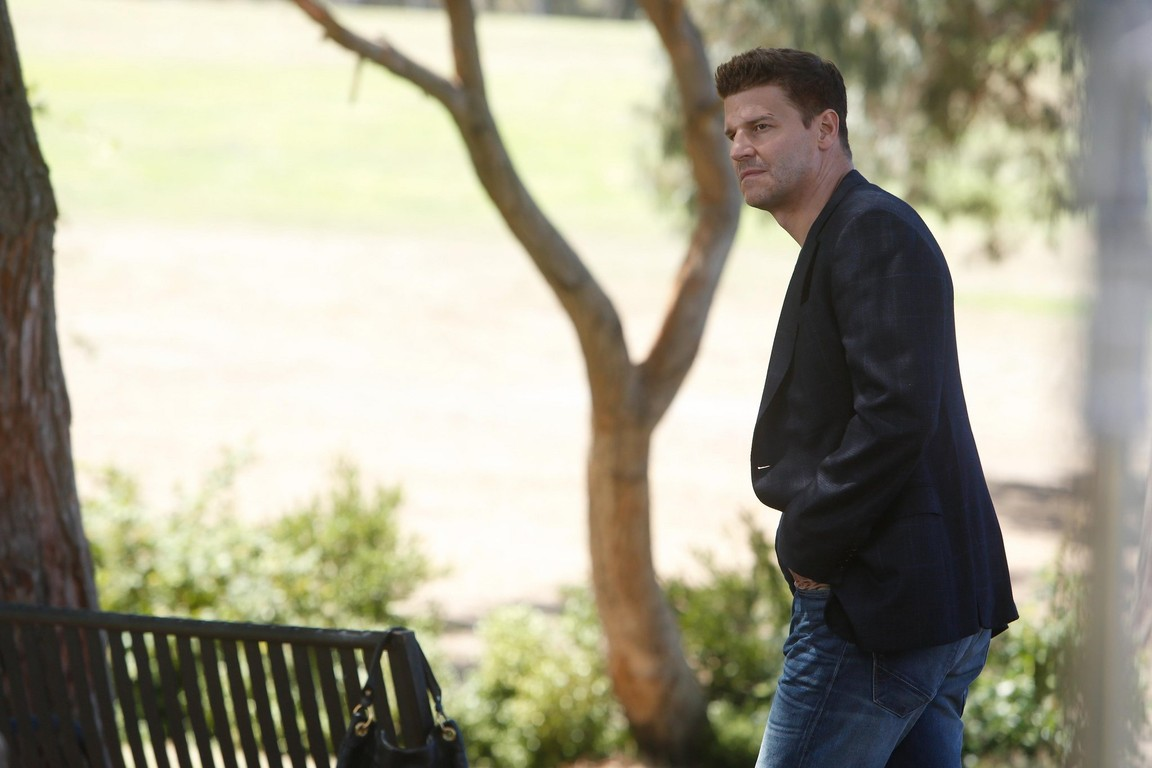 Bones - Season 10 Episode 02: The Lance to the Heart