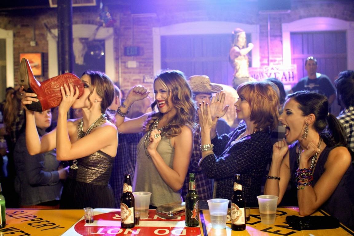 One Tree Hill - Season 8 Episode 12: The Drinks We Drank Last Night