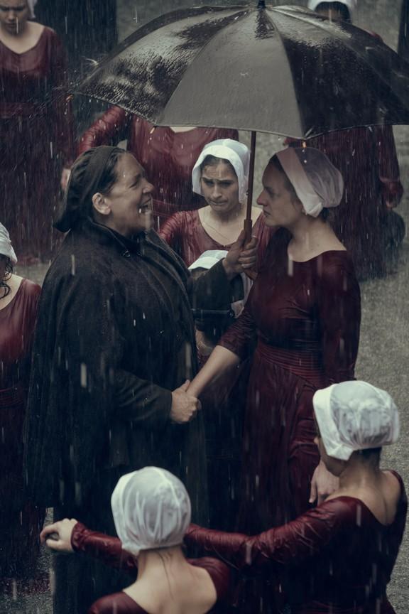 The Handmaid's Tale - Season 2 Episode 01: June