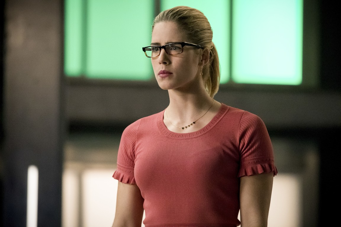 Arrow - Season 6 Episode 17: Brothers in Arms