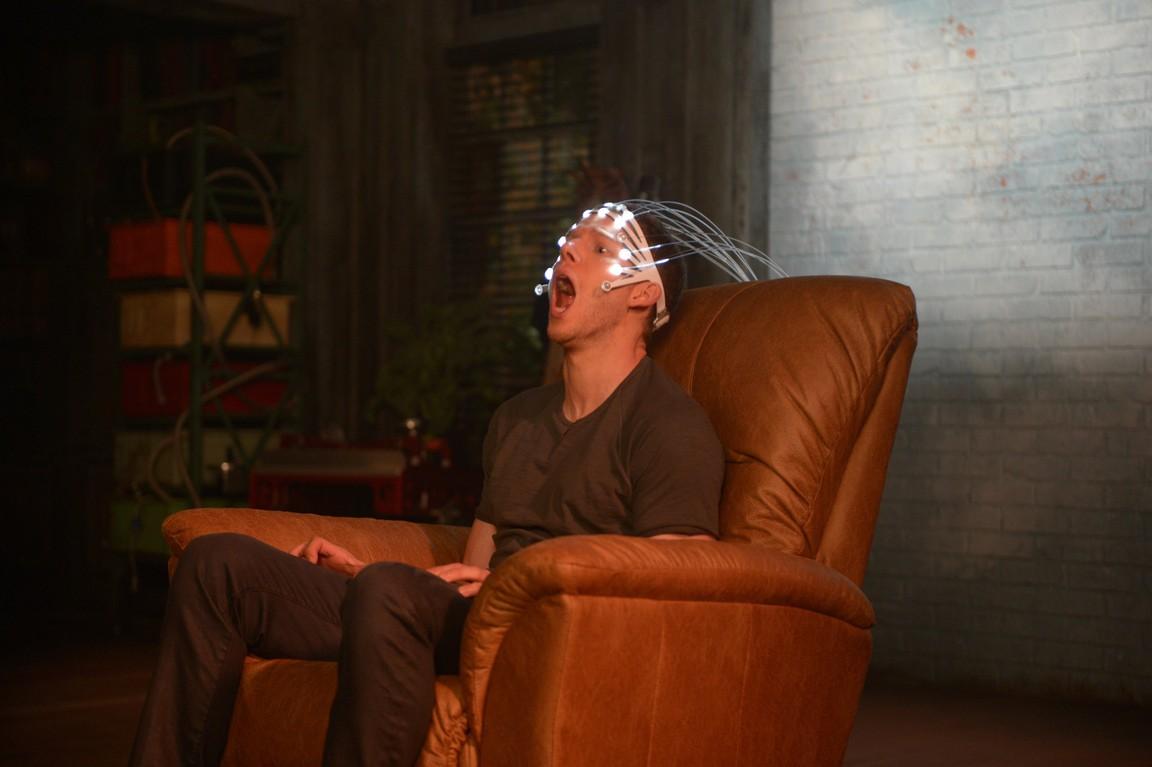 Minority Report - Season 1 Episode 3 Hawk-Eye
