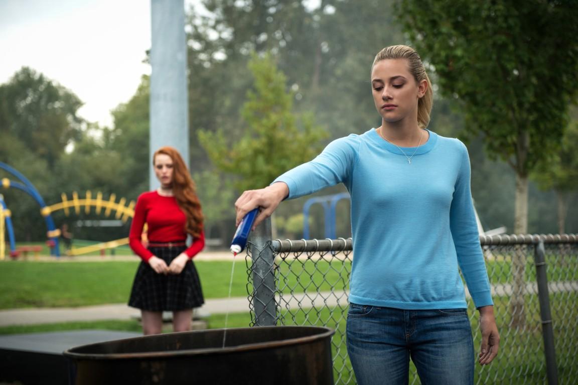 Riverdale - Season 1 Episode 03: Chapter Three: Body Double