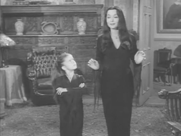 The Addams Family - Season 2 Episode 11: Fued in the Addams Family