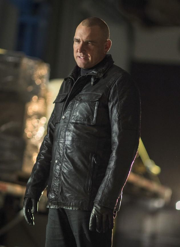 Arrow - Season 3 Episode 10: Left Behind