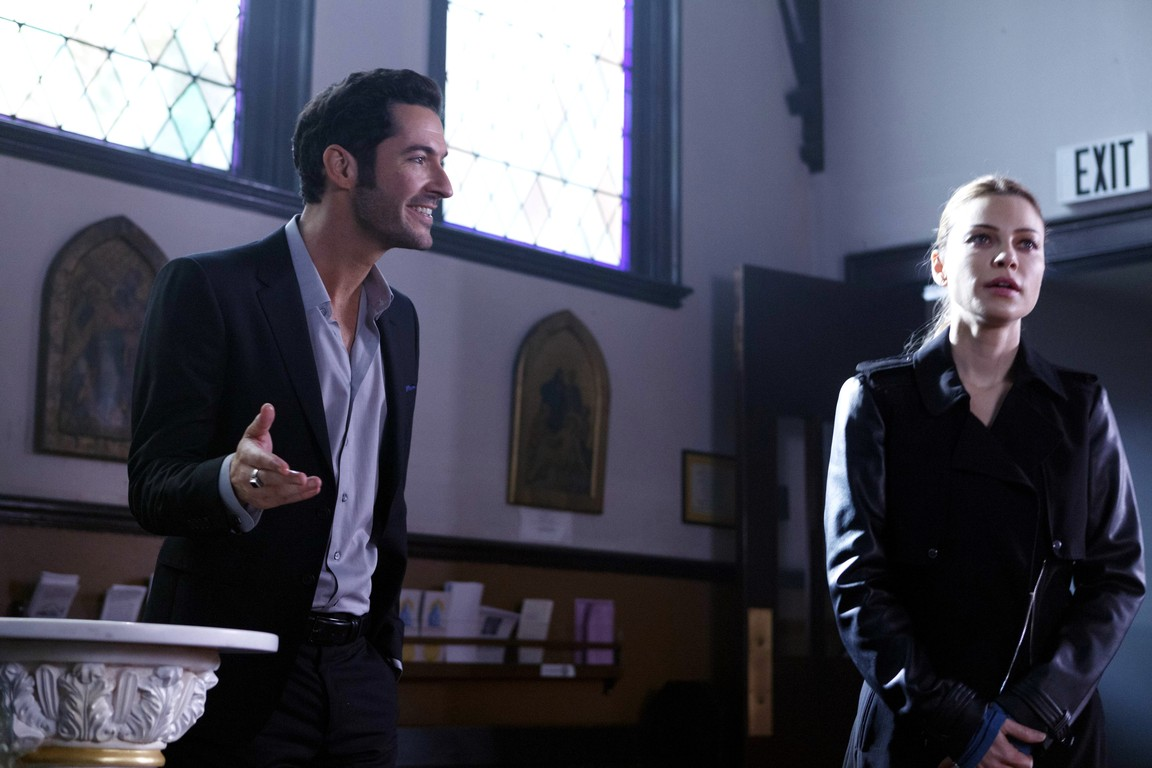 Lucifer - Season 1 Episode 09: A Priest Walks into a Bar