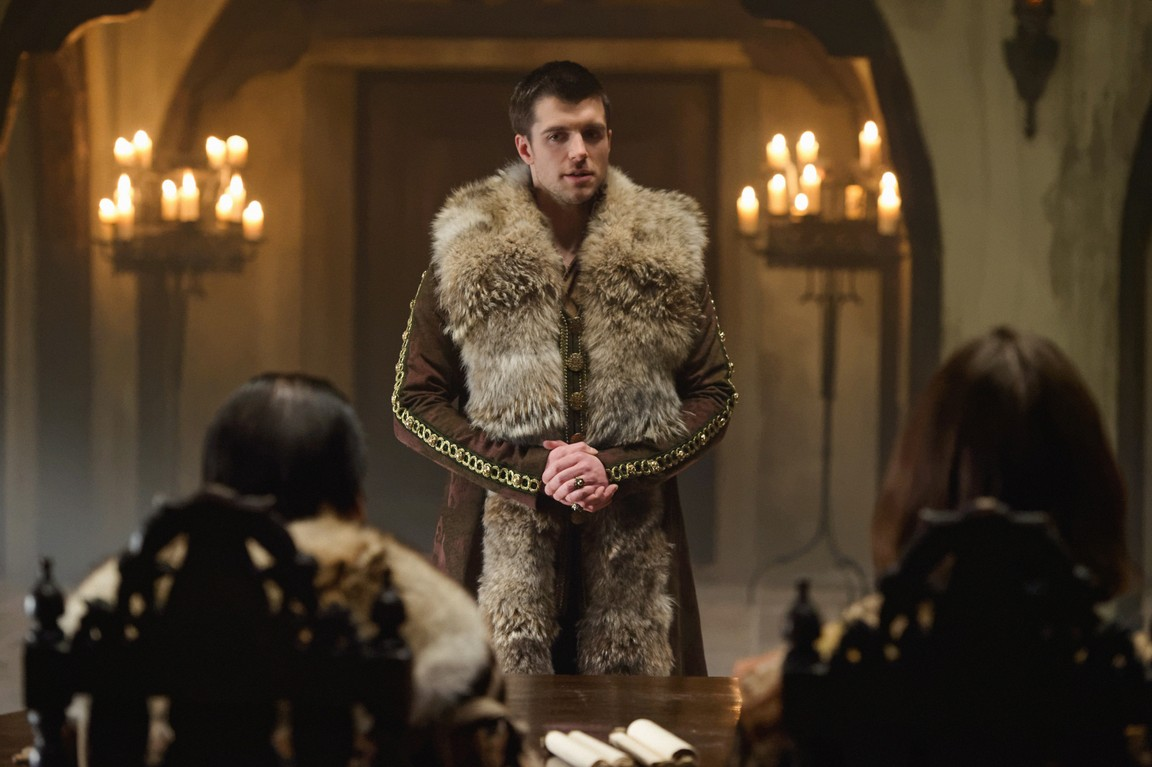 Reign - Season 3 Episode 17: Intruders