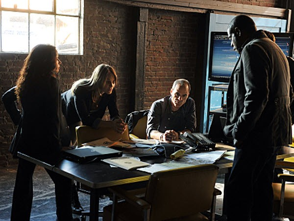 Criminal Minds: Suspect Behavior - Season 1 Episode 08: Night Hawks