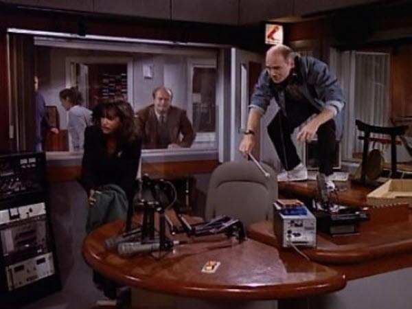 Frasier - Season 3 Episode 04: Leapin' Lizards