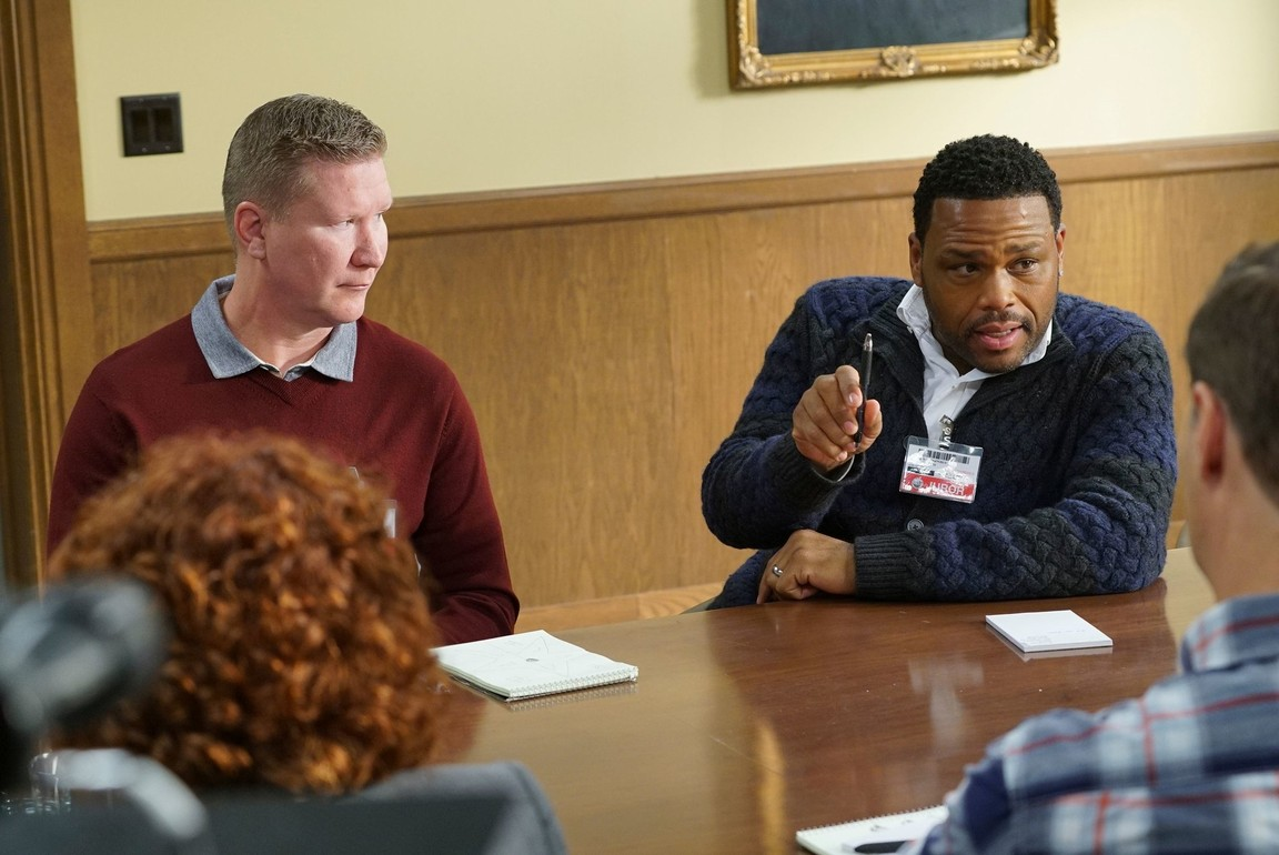 Black-ish - Season 3 Episode 16: One Angry Man