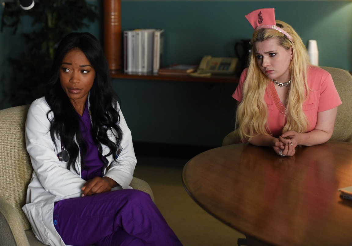 Scream Queens - Season 2 Episode 02: Warts and All