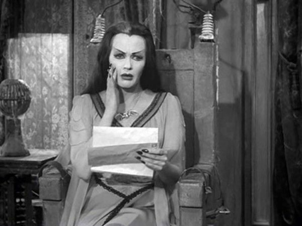 The Munsters - Season 2 Episode 19: The Most Beautiful Ghoul in the World