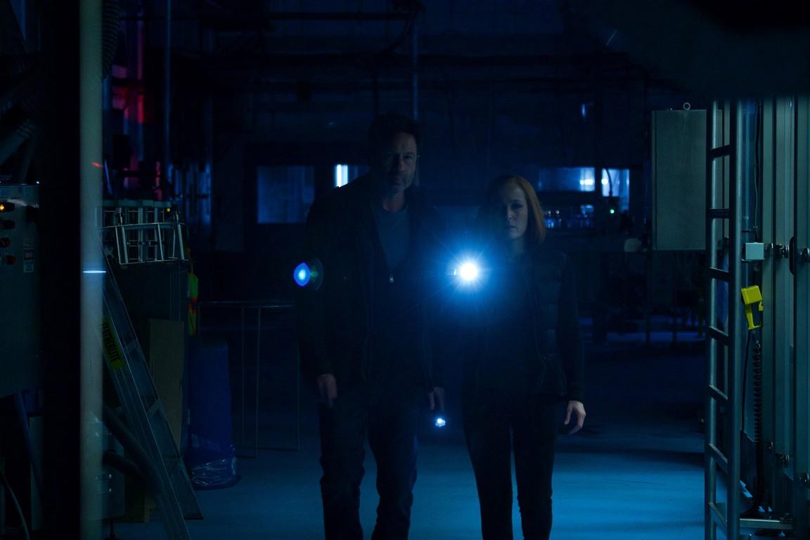 The X-Files - Season 11 Episode 07: Rm9sbG93ZXJz