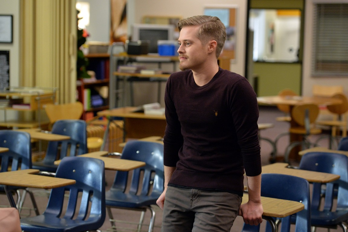 Switched at Birth - Season 3 Episode 17: Girl with Death Mask