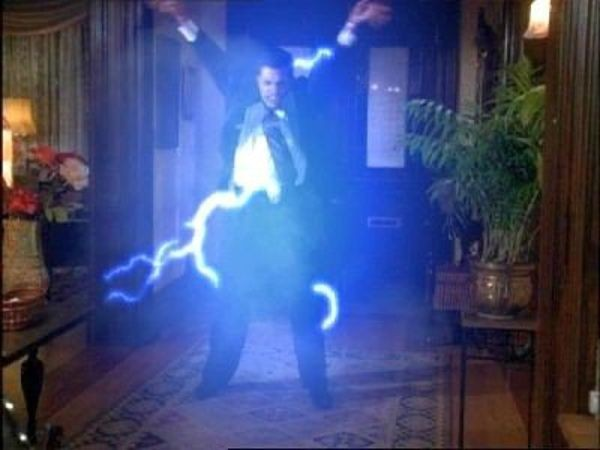 Charmed - Season 1 Episode 22: Deja Vu All Over Again
