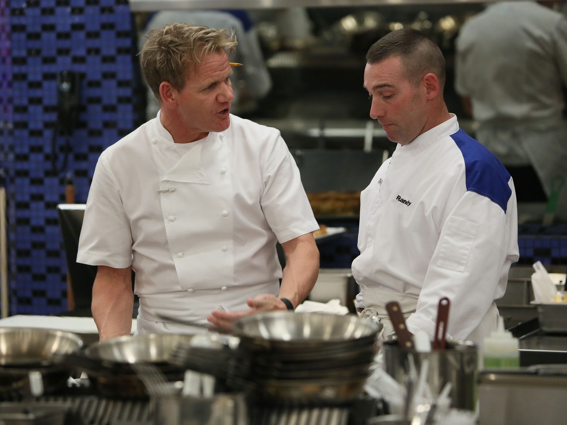 Hell's Kitchen - Season 14 Episode 07: 12 Chefs Compete