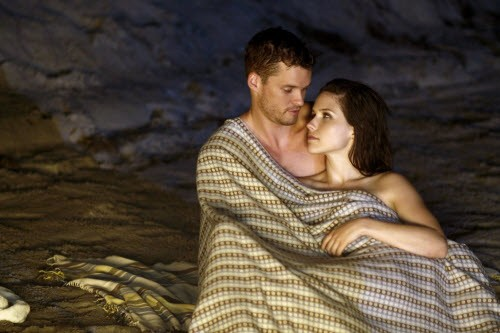 One Tree Hill - Season 7 Episode 1: 4:30 AM (Apparently They Were Travelling Abroad)
