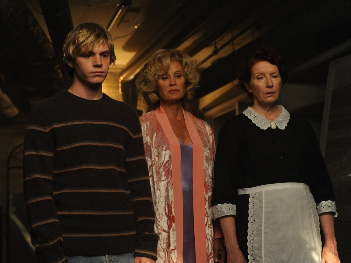 American Horror Story - Season 1 Episode 02 : Home Invasion