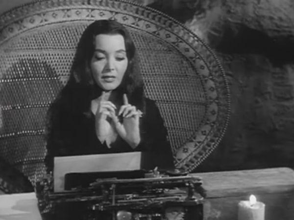 The Addams Family - Season 2 Episode 08: Morticia, the Writer