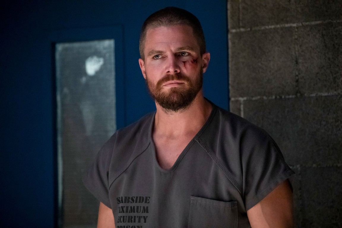 Arrow - Season 7 Episode 01: Inmate 4587