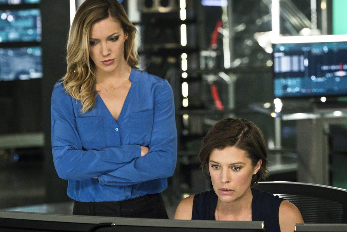 Arrow - Season 4 Episode 11: A.W.O.L.