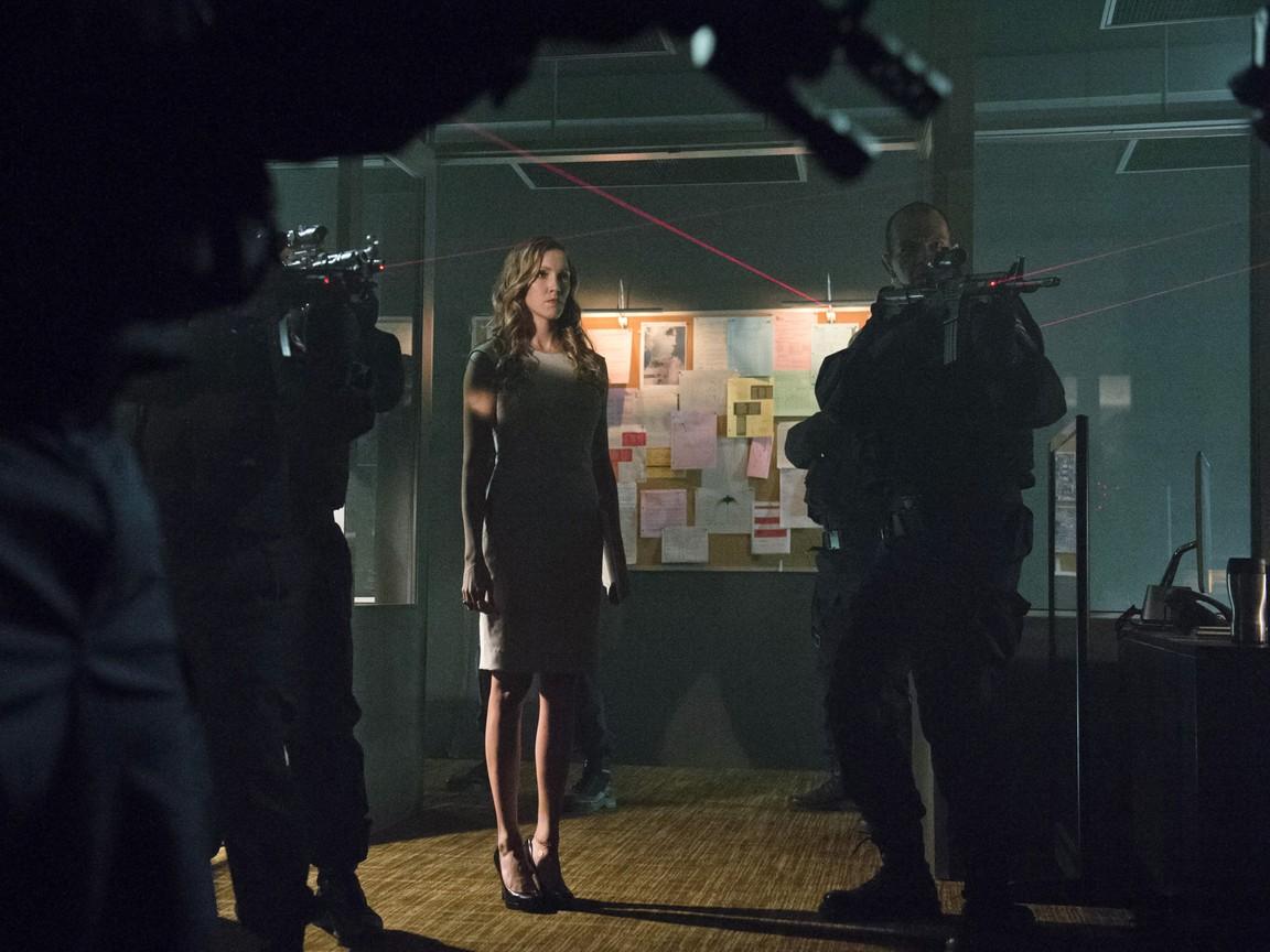 Arrow - Season 2 Episode 03: Broken Dolls