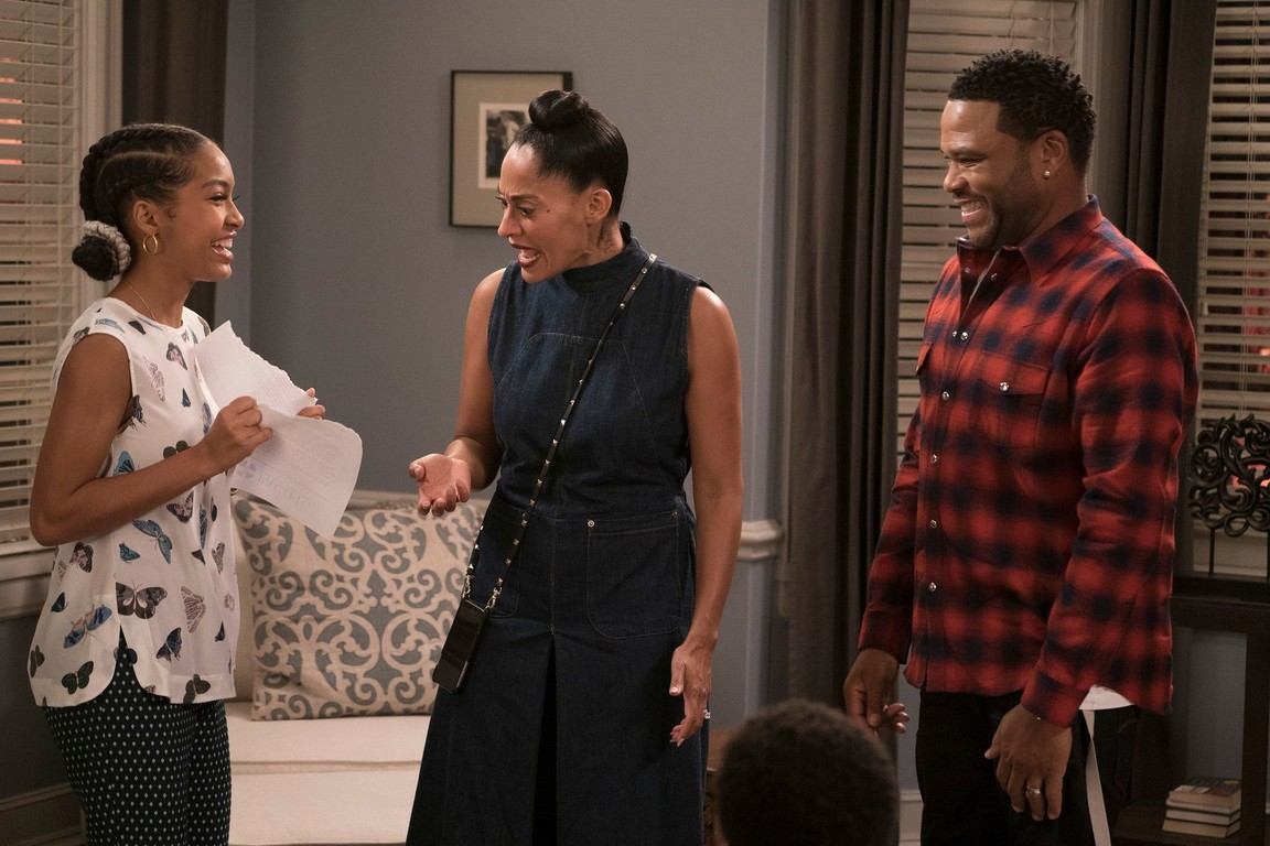Black-ish - Season 3 Episode 09: Nothing but Nepotism
