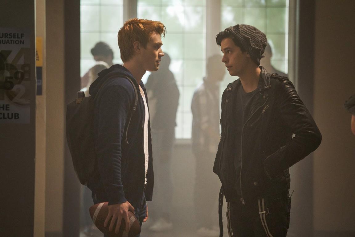 Riverdale - Season 2 Episode 07: Chapter Twenty: Tales from the Darkside