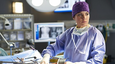 Saving Hope - Season 2 Episode 10: Wishbones